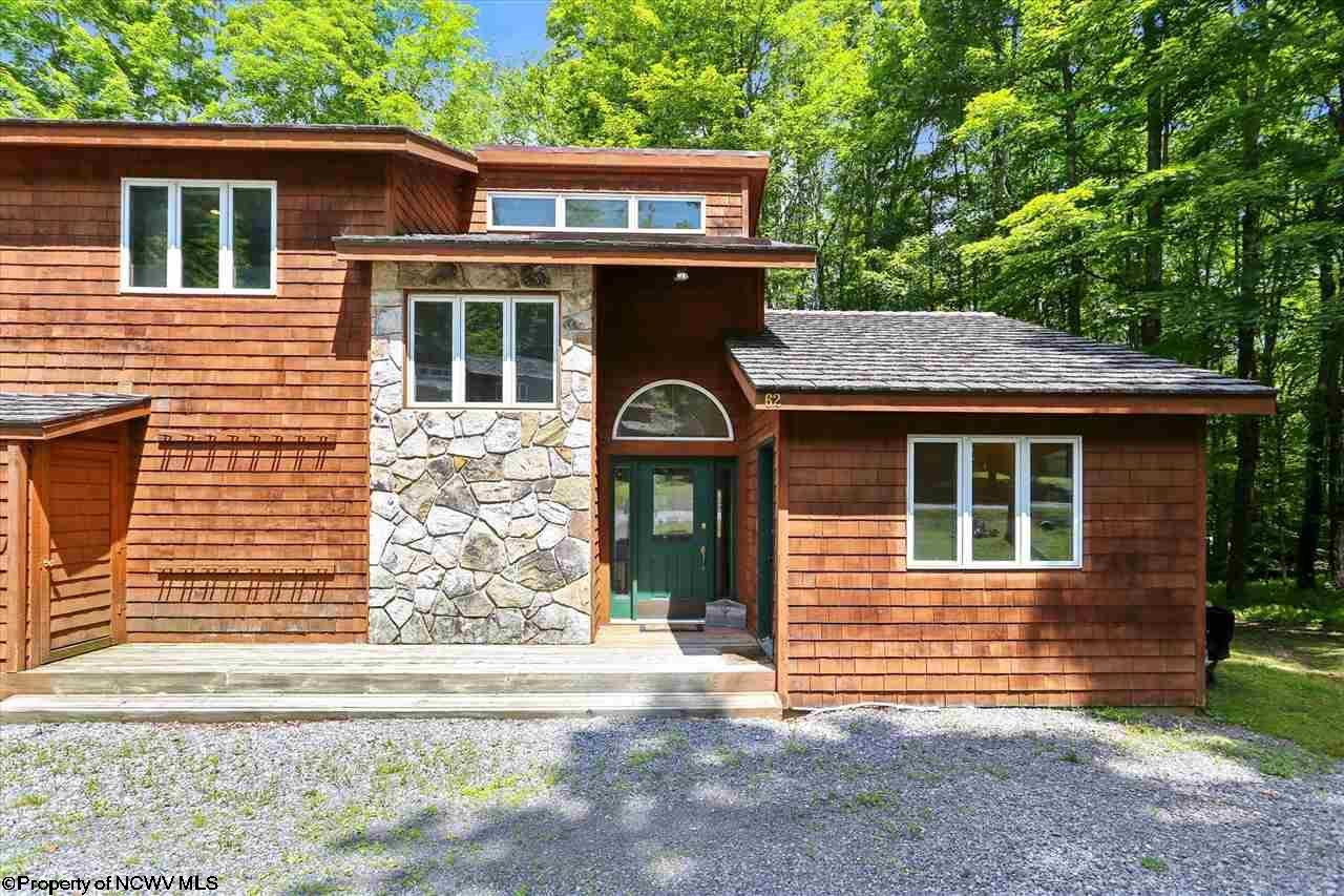 62 Woods End Court,