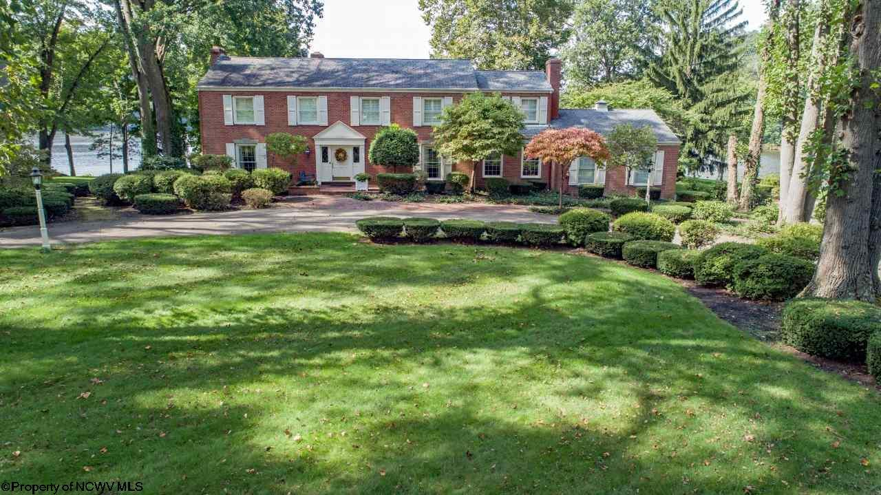 445 Lakeview Manor Drive,
