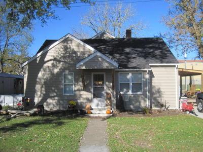 Alderson Single Family Home For Sale: 325 Virginia St
