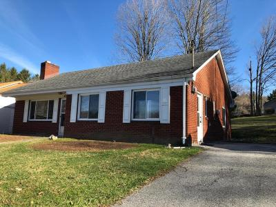 Lewisburg Single Family Home For Sale: 437 Bell Dr