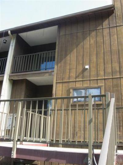 Huntington Condo/Townhouse For Sale: 6050 East Pea Ridge Road #305
