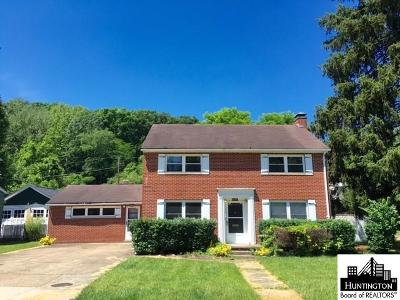Huntington Single Family Home For Sale: 2105 Donald Avenue