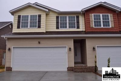 Chesapeake Condo/Townhouse For Sale: 13 Platinum Drive