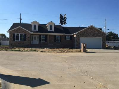 Milton Single Family Home For Sale: 4 Maxwell Circle