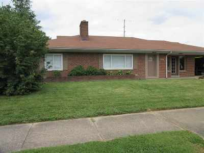Chesapeake Single Family Home For Sale: 610 2nd Ave