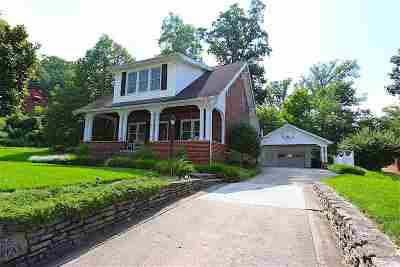 Huntington Single Family Home For Sale: 125 Fairfax Drive