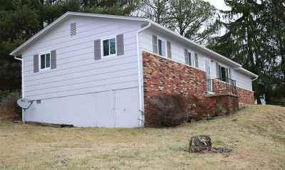 Milton Single Family Home For Sale: 1422 Adams Avenue