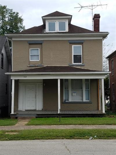 Huntington Multi Family Home For Sale: 749 Washington Avenue