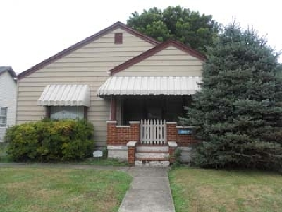Single Family Home For Sale: 2409 S 8th Street