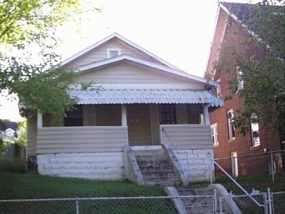 Huntington Single Family Home For Sale: 115 Oakland Avenue