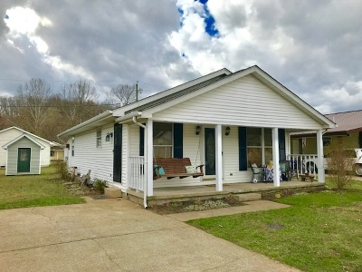 Barboursville Single Family Home For Sale: 47 Pine Drive