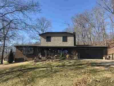 Huntington Single Family Home For Sale: 26 Scenic Lane