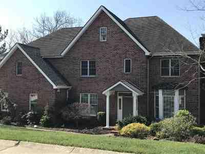 Huntington Single Family Home For Sale: 60 Derby Lane