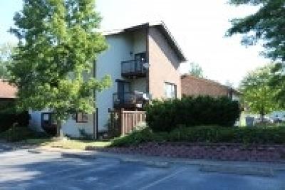 Huntington Condo/Townhouse For Sale: 8006 Timberlake Drive