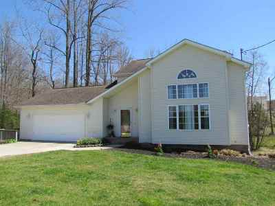 Milton Single Family Home For Sale: 6 Greenbrier Trail