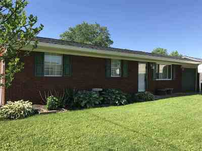 South Point OH Single Family Home For Sale: $105,000