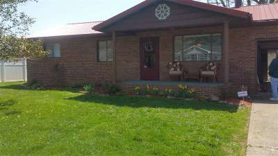 South Point OH Single Family Home For Sale: $129,900