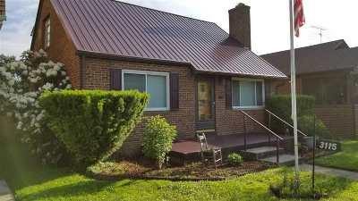 Huntington Single Family Home For Sale: 3115 Merrill Avenue