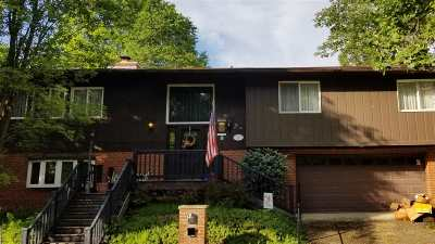 Huntington Single Family Home For Sale: 10 Partridge Court