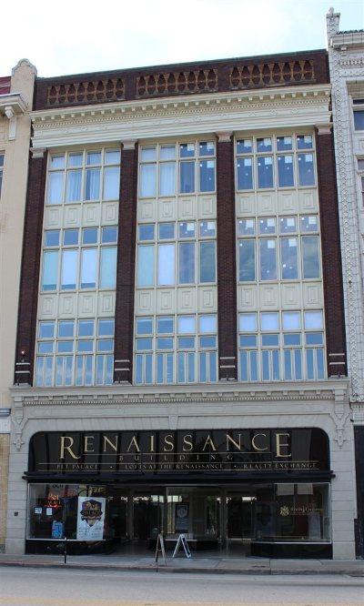 Huntington Condo/Townhouse For Sale: 831 4th Avenue #203