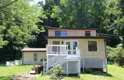 Huntington Single Family Home For Sale: 1675 North Jefferson Drive