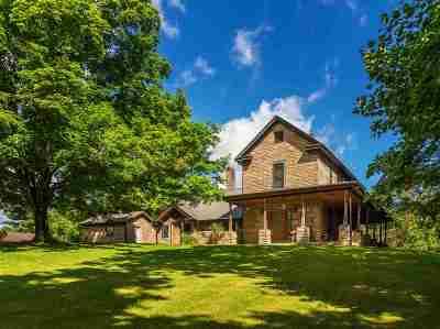 Scott Depot Single Family Home For Sale: 9652 Teaya Valley Road