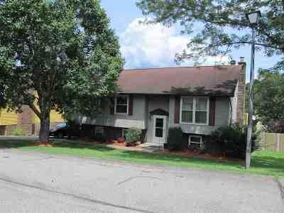 Nitro Single Family Home For Sale: 105 Jamestown Road