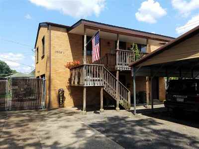 Huntington Single Family Home For Sale: 1504 1/2 Charleston Avenue