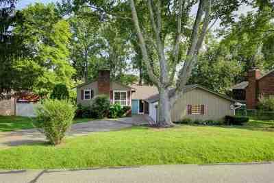 Scott Depot Single Family Home For Sale: 8 Meadowwood Drive