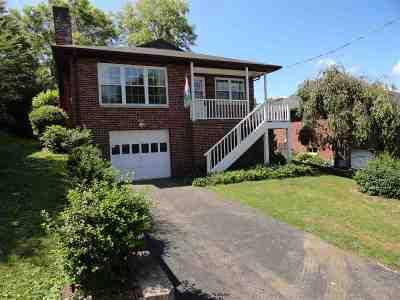 Huntington Single Family Home For Sale: 6203 Richmond Drive