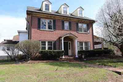 Huntington Single Family Home For Sale: 2925 Staunton Road