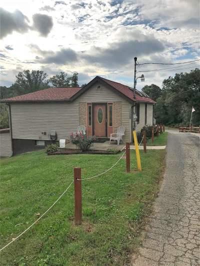 Huntington Single Family Home For Sale: 1528 E Campbell Park Dr
