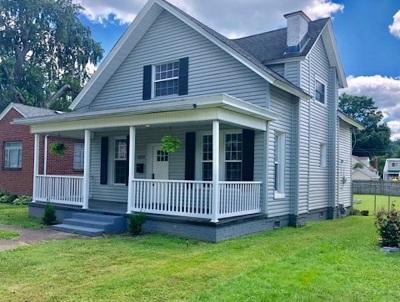 Huntington Single Family Home For Sale: 1023 Madison Ave
