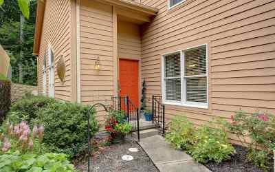 Hurricane Condo/Townhouse For Sale: 202 Oakbridge Drive