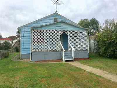 Huntington Single Family Home For Sale: 317 Richmond Street