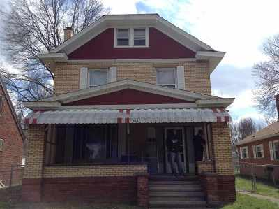 Huntington Single Family Home For Sale: 2227 9th Avenue