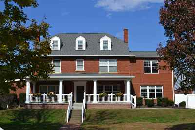 Huntington Single Family Home For Sale: 302 12th Avenue