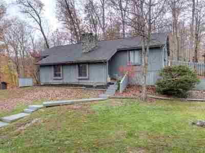 Huntington Single Family Home For Sale: 299 Woodlomond Way