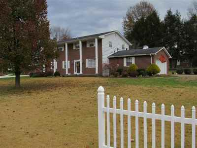 Scott Depot Single Family Home For Sale: 160 Beechwood Estates