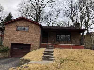 Huntington Single Family Home For Sale: 2729 North Terrace