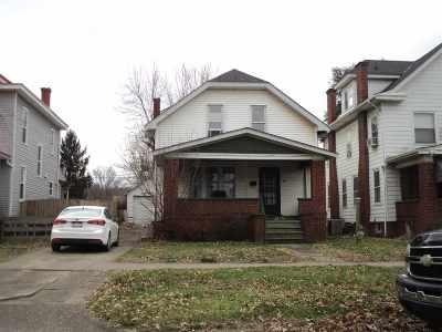 Huntington Single Family Home For Sale: 2635 1st Avenue