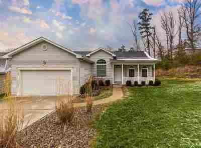 Huntington Single Family Home For Sale: 3 Heatherwood Lane