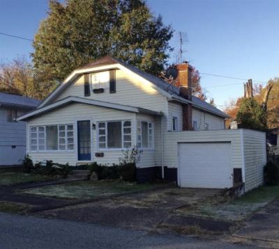 Huntington Single Family Home For Sale: 315 S Walnut Street
