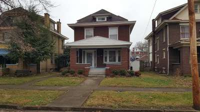 Huntington Single Family Home For Sale: 2922 Merrill Avenue