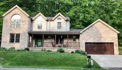Huntington Single Family Home For Sale: 6 Old Trail Road