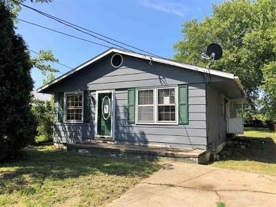 Huntington Single Family Home For Sale: 321 7th Street