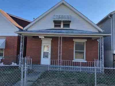 Huntington Single Family Home For Sale: 703 Washington Avenue