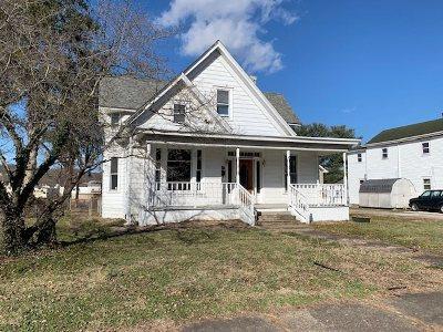 Huntington Single Family Home For Sale: 828 Jefferson Avenue