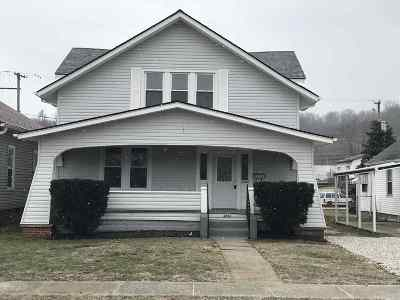 Huntington Single Family Home For Sale: 3233 Hughes