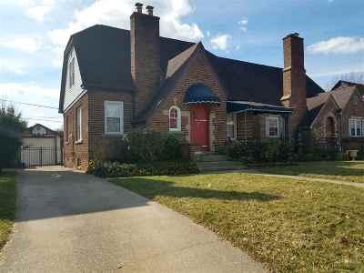Huntington Single Family Home For Sale: 645 South Terrace